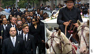 _1519375_aaliyah_carriage300.jpg